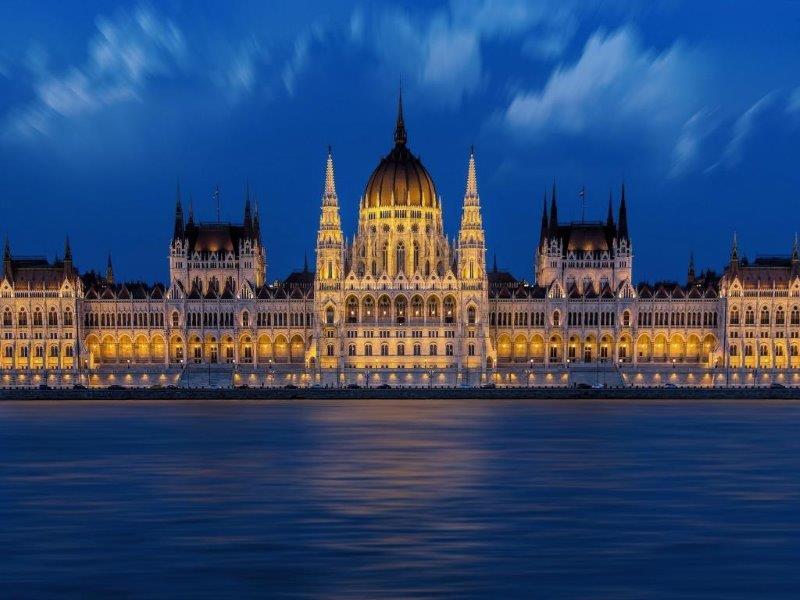 Почувствай Будапеща - със самолет